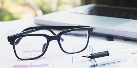 How to Take Care of your Eyeglasses?